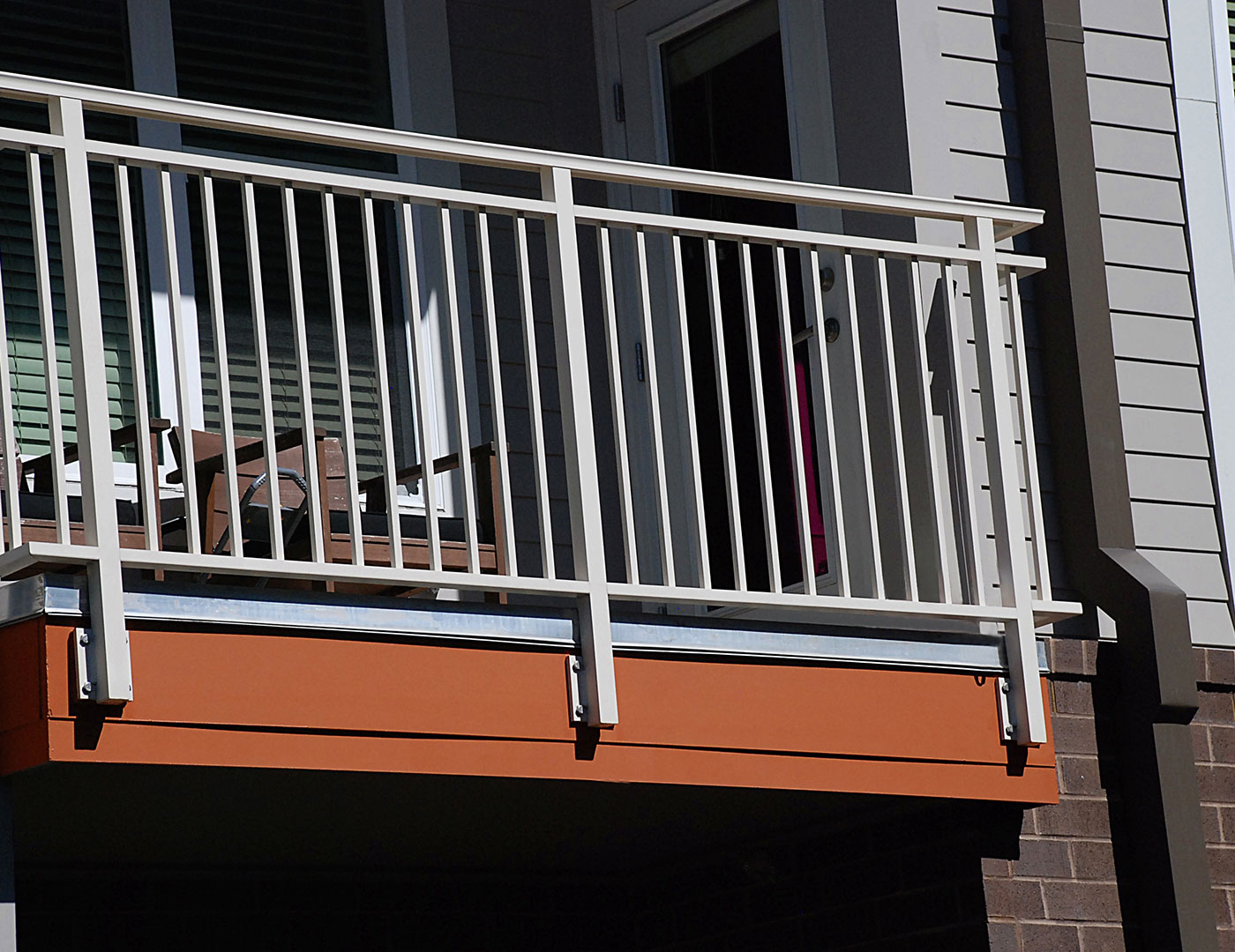 Aluminum balcony railing lofts at seigle point sc railing for Balcony handrail